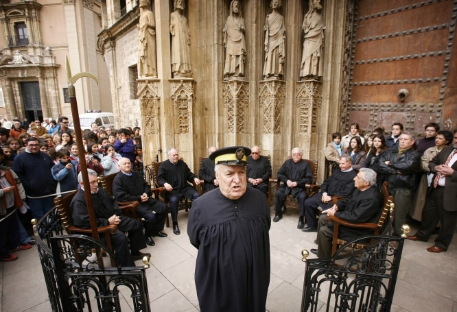 The_Tribunal_de_las_Aguas_of_Valencia666