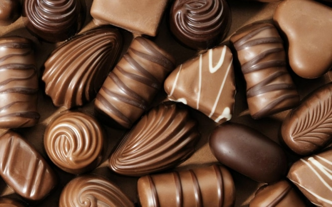 Christmas-Choclates-Gifts-Wallpaper