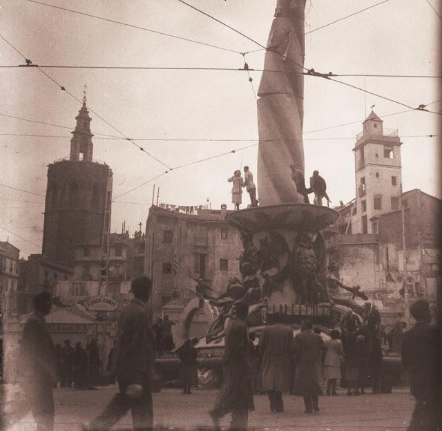 Plaza Reina k 1950 José Huguet (9)