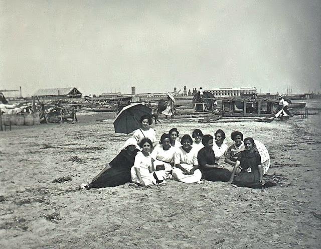 Playa de Nazaret 1920s Colección Andrés Gimenez (8)
