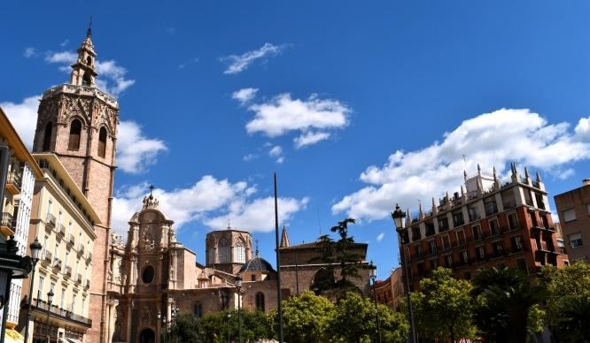 Olvida el coche: Valencia amplía la zona peatonal a la Seu y Xerea