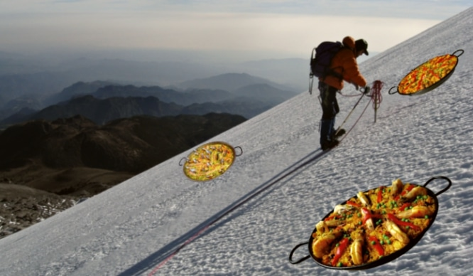La paella escala montañas. ¡Literalmente!