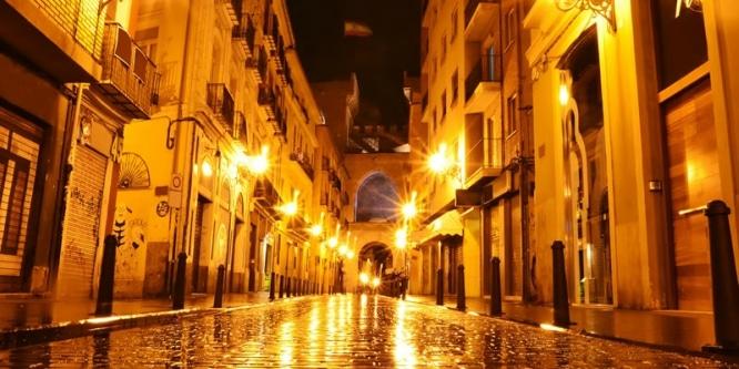 Valencia-de-noche