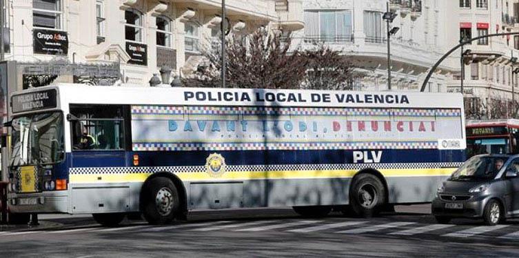 El autobús contra el odio recorre Valencia
