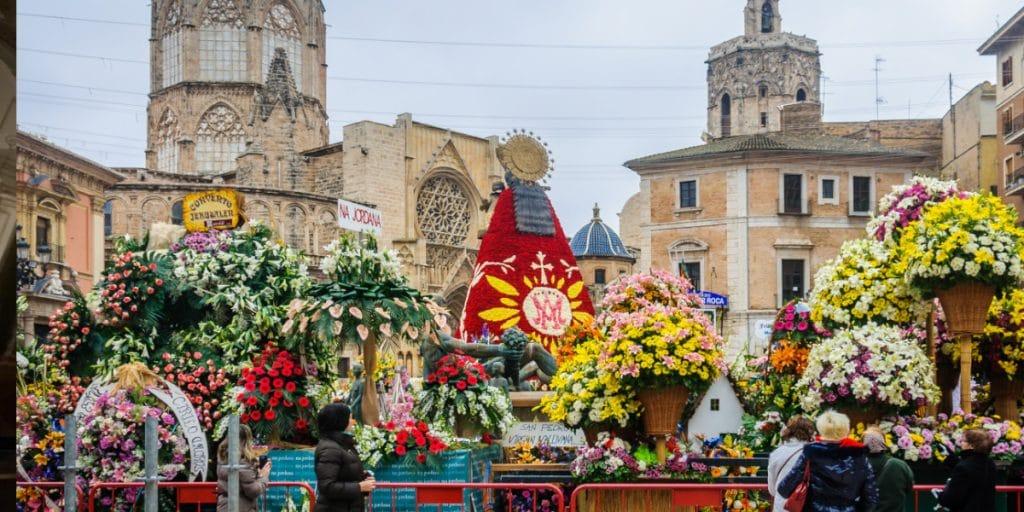 ¿Hasta cuándo se podrá ver el manto de la Virgen en Valencia?