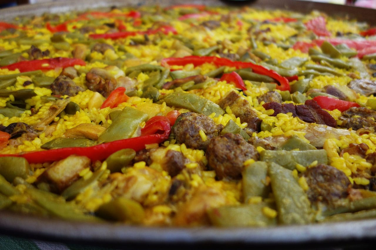 ¿Cómo se llamarían los platos tradicionales valencianos si se inventaran hoy?