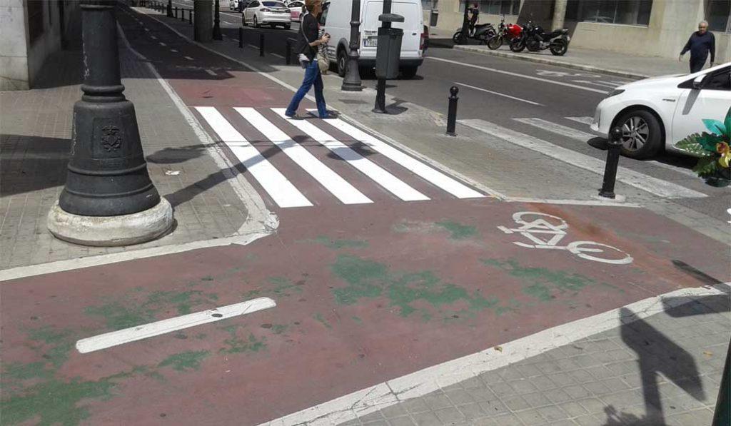El local afectado por un carril bici pedirá el coste del traslado de su terraza