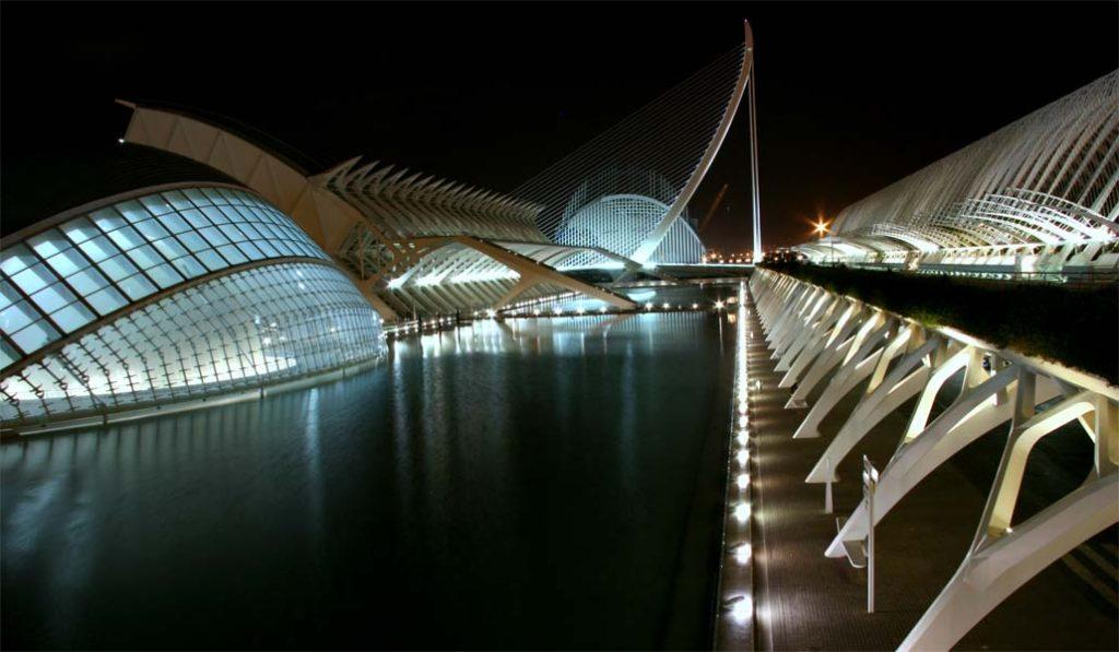 Cinco ideas para vivir la noche valenciana