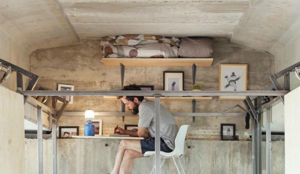 El diseñador que construyó su propio oasis bajo un puente