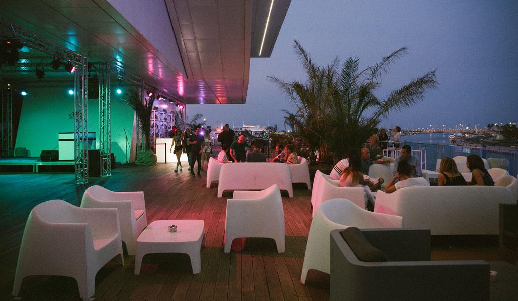 Diversión con vistas al mar: las terrazas del puerto de Valencia