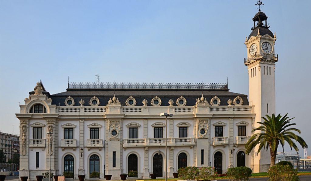 El Edificio del Reloj, un icono del Puerto