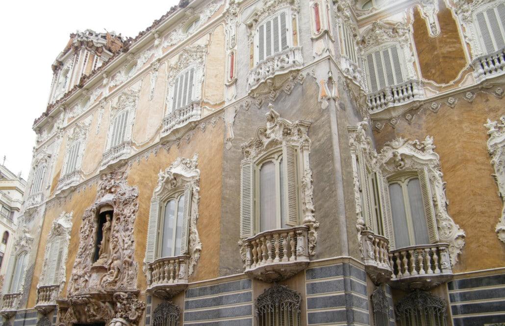 marques de dos aguas museo ceramica valencia