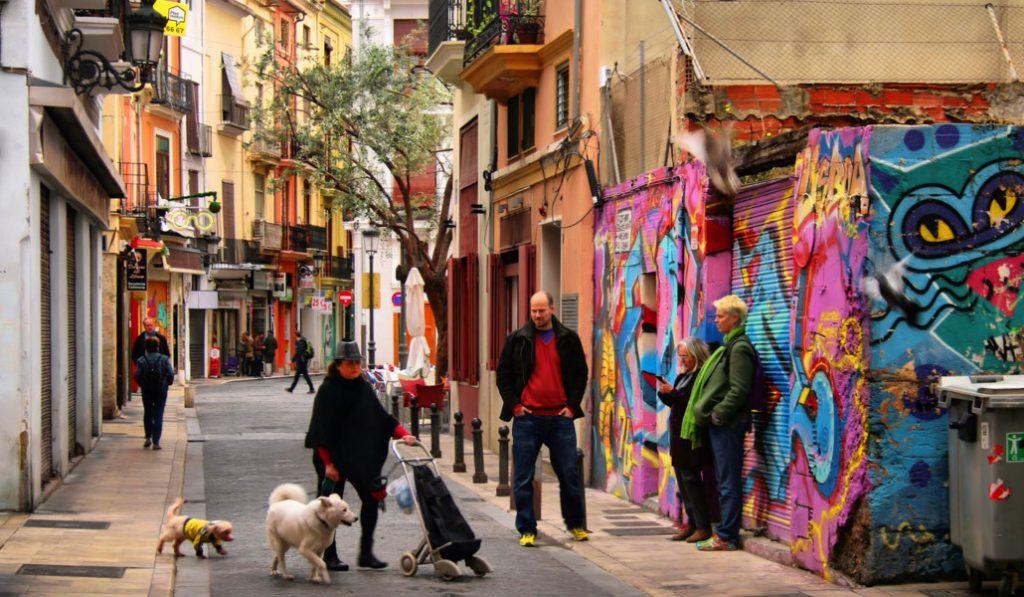 ¿De dónde viene el nombre de los barrios de Ciutat Vella?