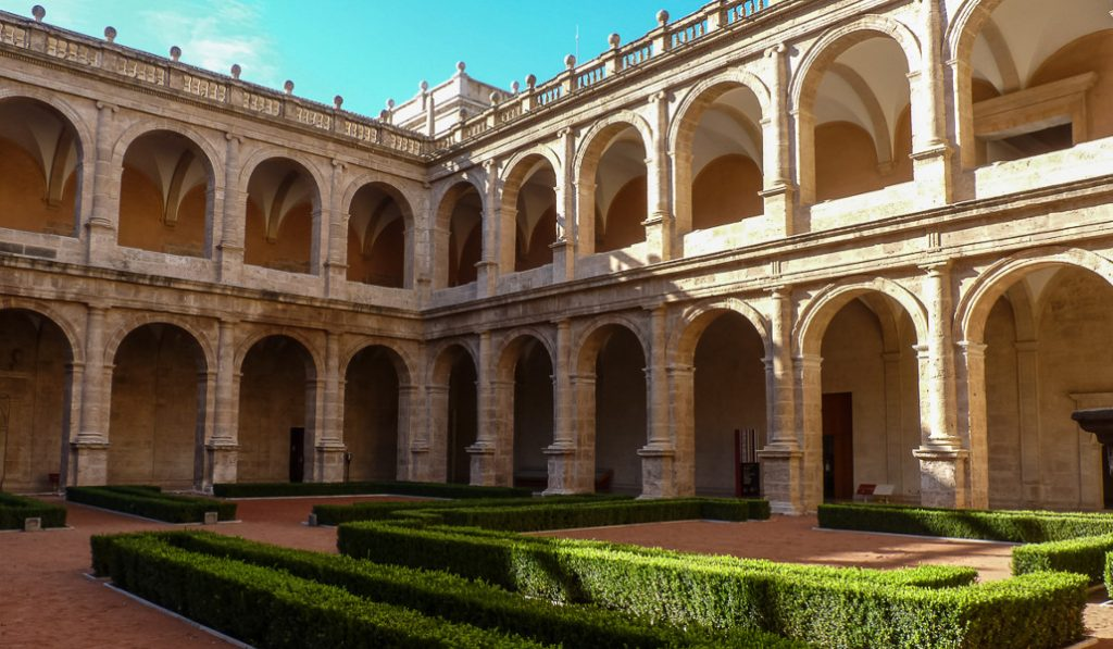 5 Curiosidades del monasterio de San Miguel de los Reyes