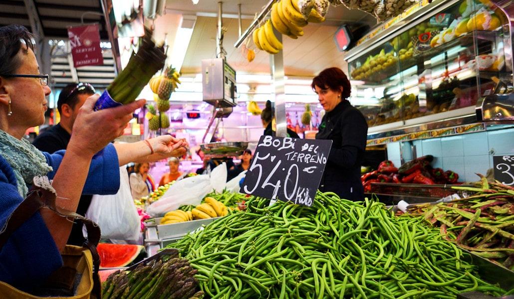 Se prohíbe vocear los precios y los productos en los mercados de Valencia