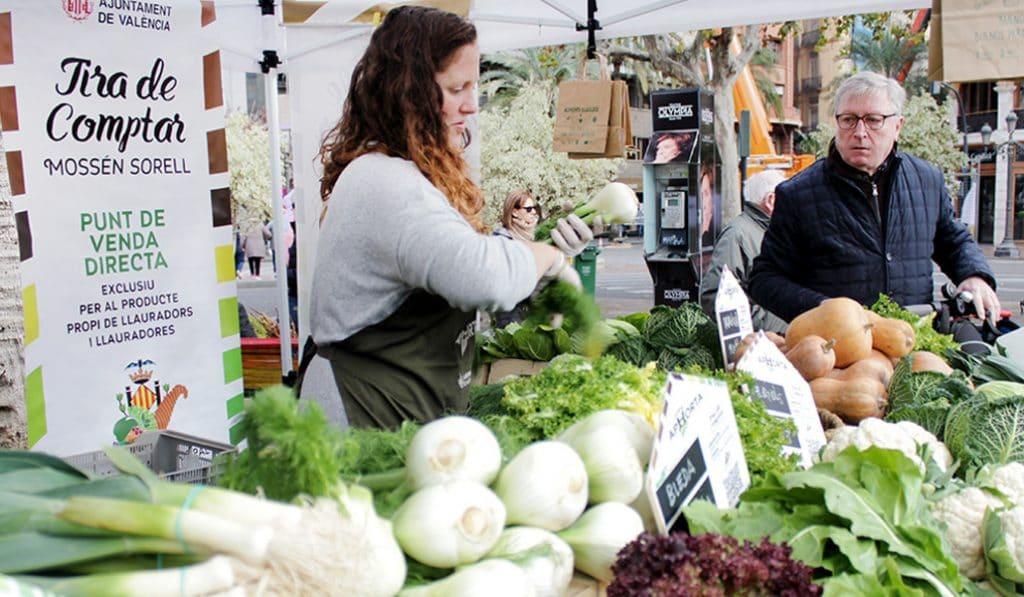 De l'Horta a la Plaça: mercado de productores en la plaza del ayuntamiento de Valencia