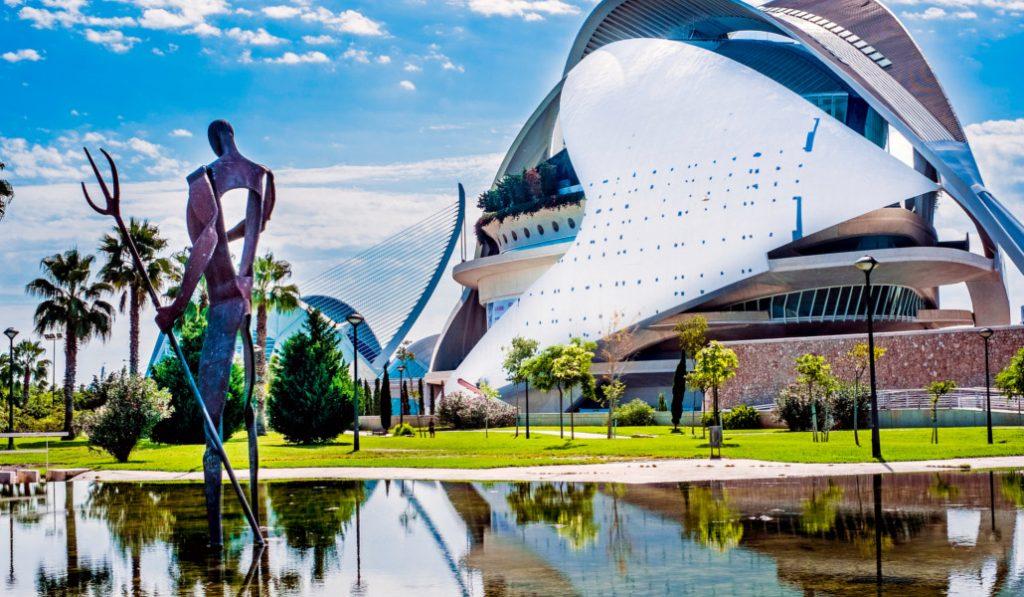 Valencia es la ciudad del color y te lo vamos a demostrar