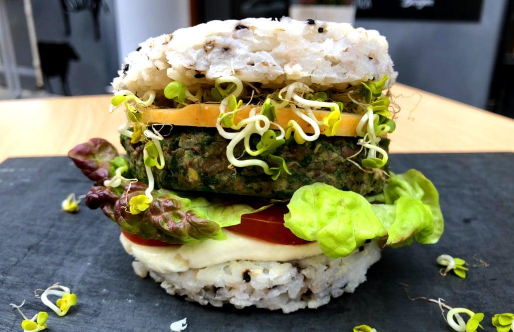 valencia rainbow burger 3