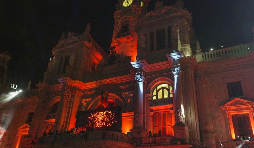 ayuntamiento valencia fachada noche