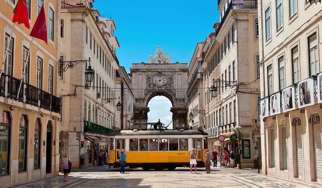 Viaja de Valencia a Lisboa por 1 euro