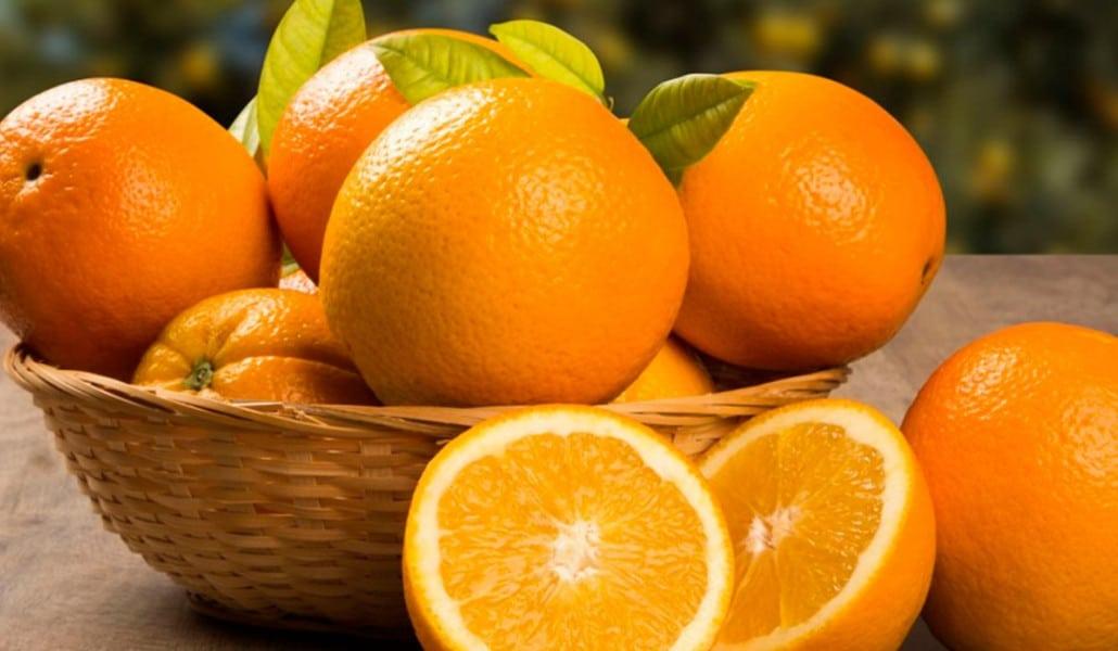 Los agricultores reparten hoy 4.000 kilos de naranjas gratis en Valencia