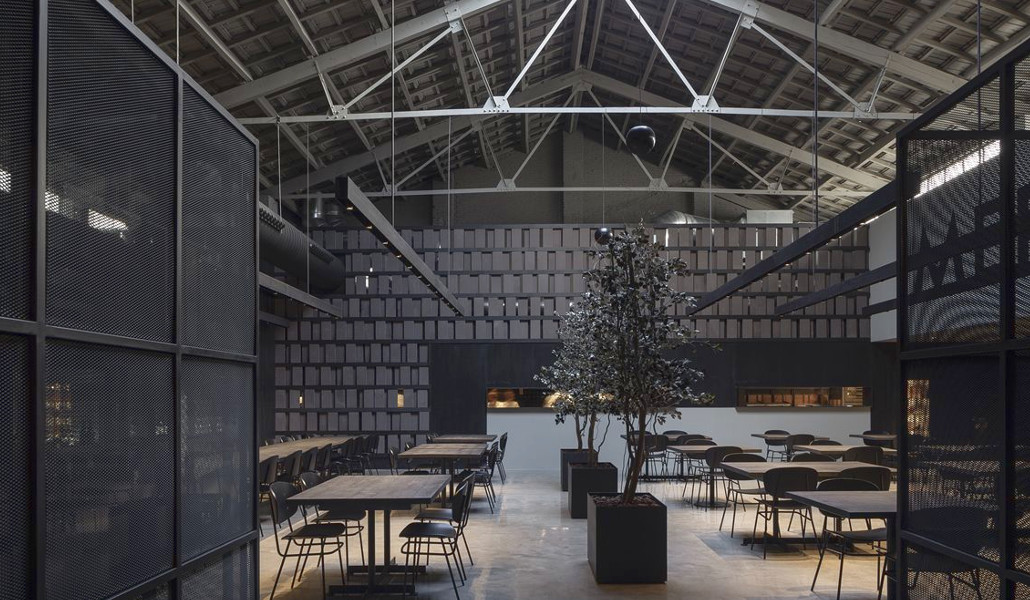 Merkato, un hangar de aviones reconvertido en espacio gastronómico