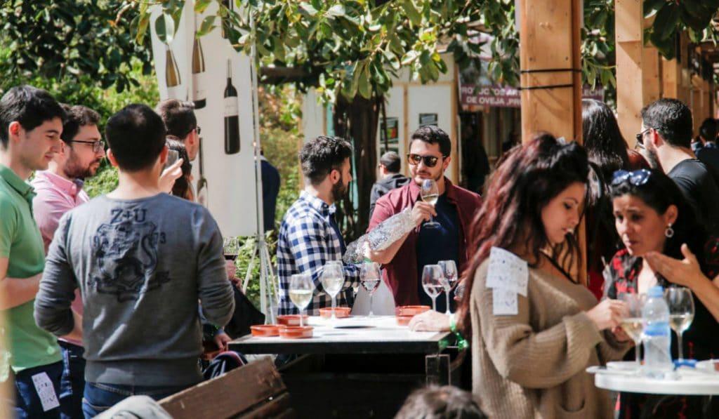 Mostra d'Estiu Proava: gastronomía y vino en la plaza del Ayuntamiento