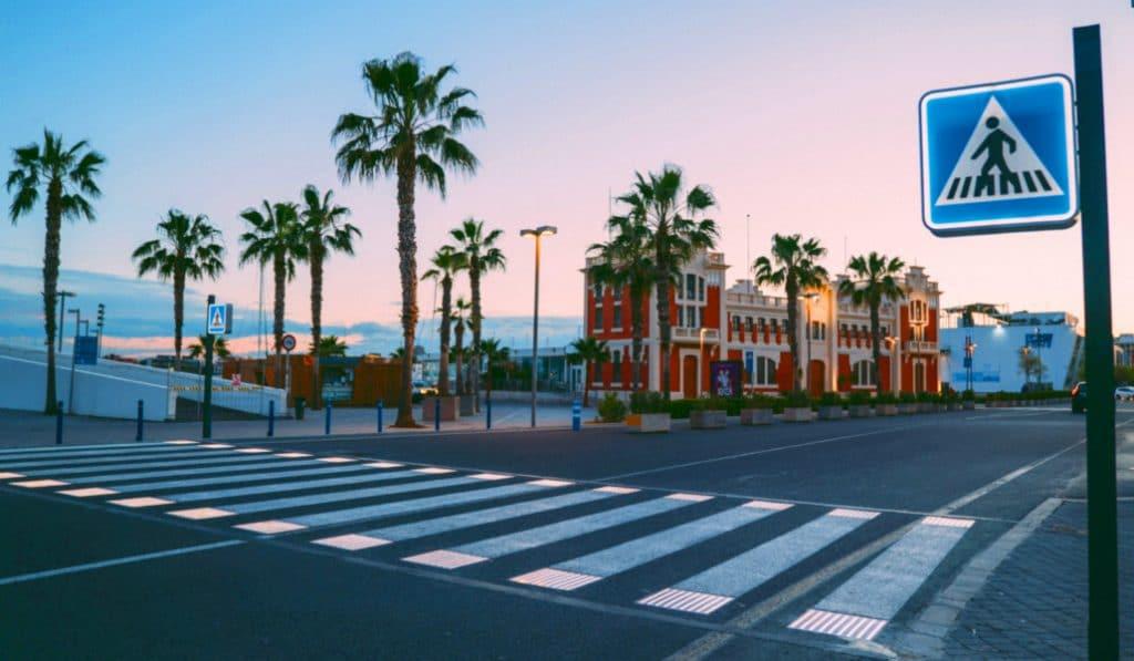 Así son los primeros pasos de peatones inteligentes de Valencia