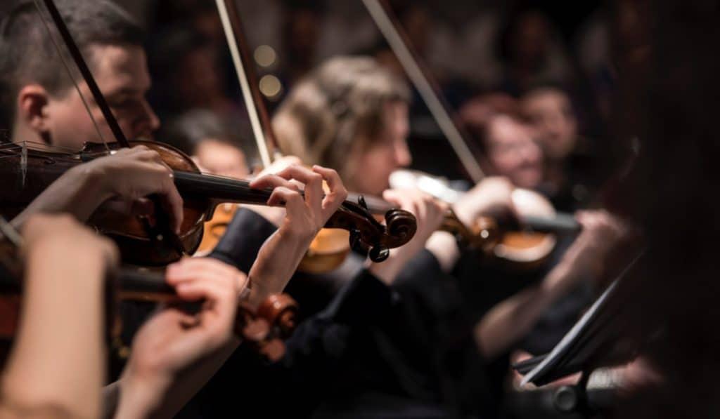 Candlelight Mozart: Pequeña Serenata Nocturna bajo la luz de las velas