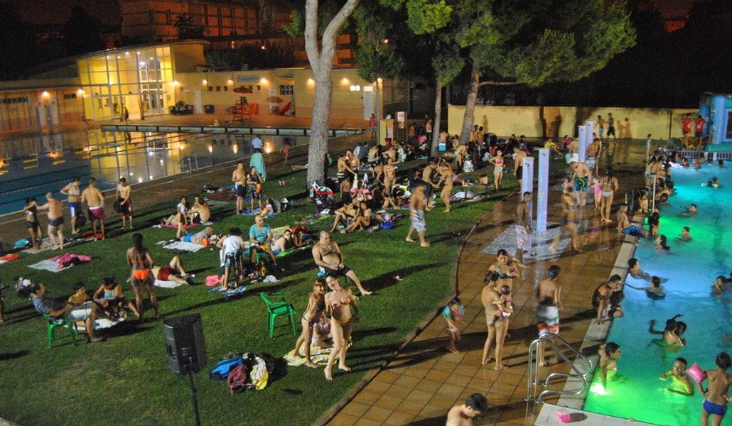 Piscinas nocturnas en Valencia