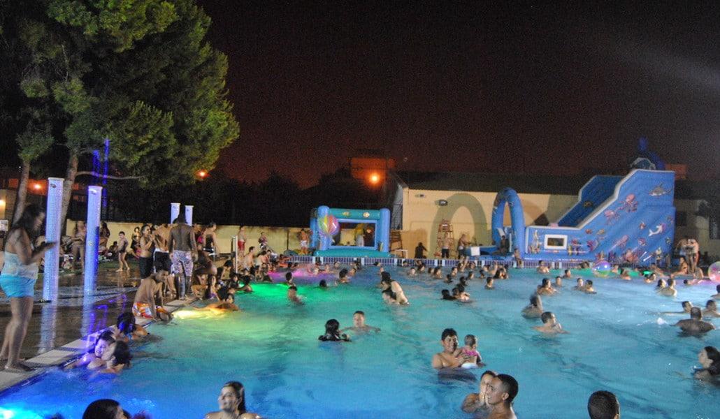 piscina nocturna valencia