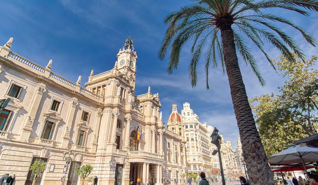 Llega el wifi gratis a la plaza del Ayuntamiento de Valencia