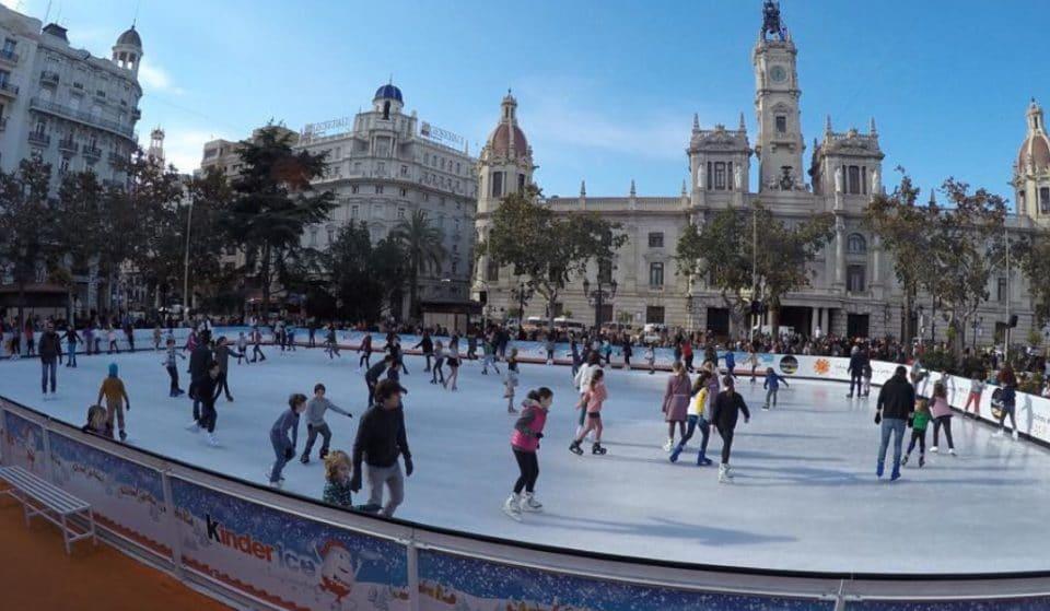Vuelve la pista de hielo a la plaza del Ayuntamiento de Valencia
