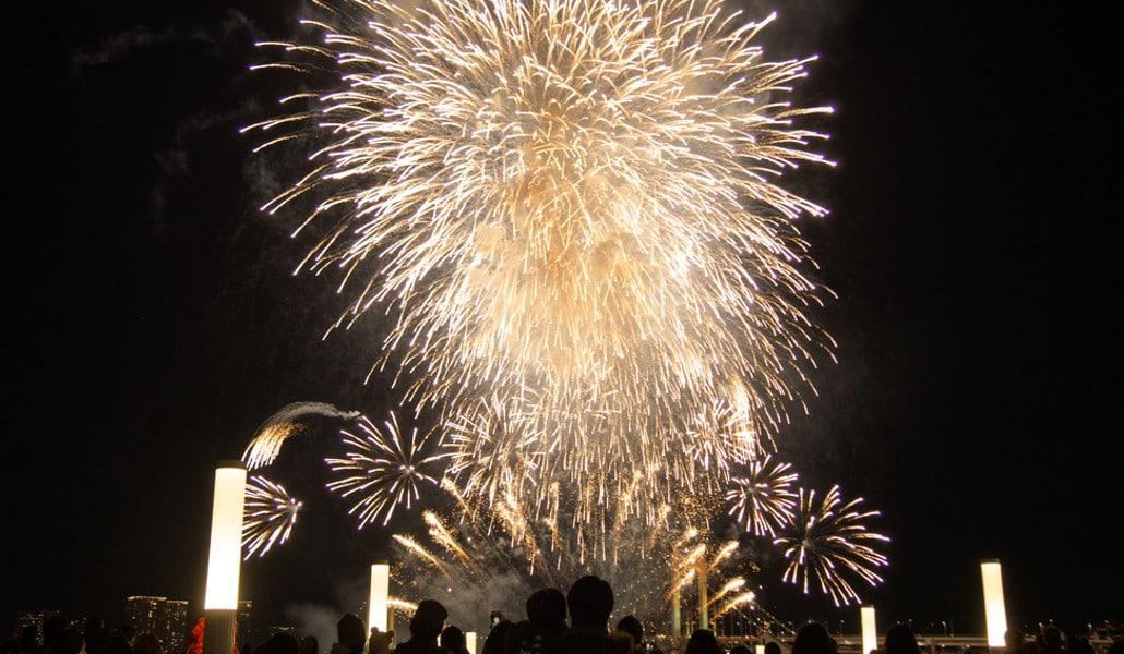 Castillo y mascletà para celebrar el 9 d'Octubre