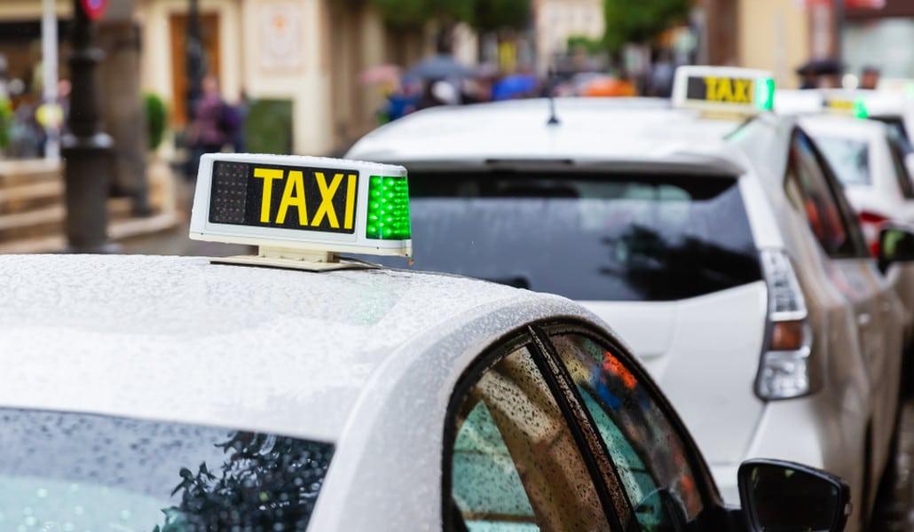 Ya puedes pedir taxis con precio fijo en Valencia