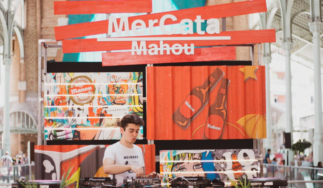 Mercata Mahou: este domingo marida cerveza, gastronomía y música en el Mercado de Colón