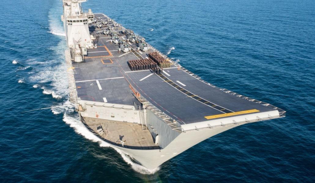 El buque 'Juan Carlos I' atraca en Valencia y tú puedes visitarlo por dentro