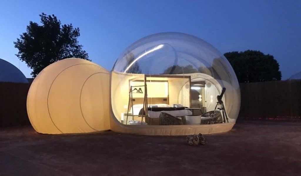Un nuevo camping burbuja para dormir bajo las estrellas