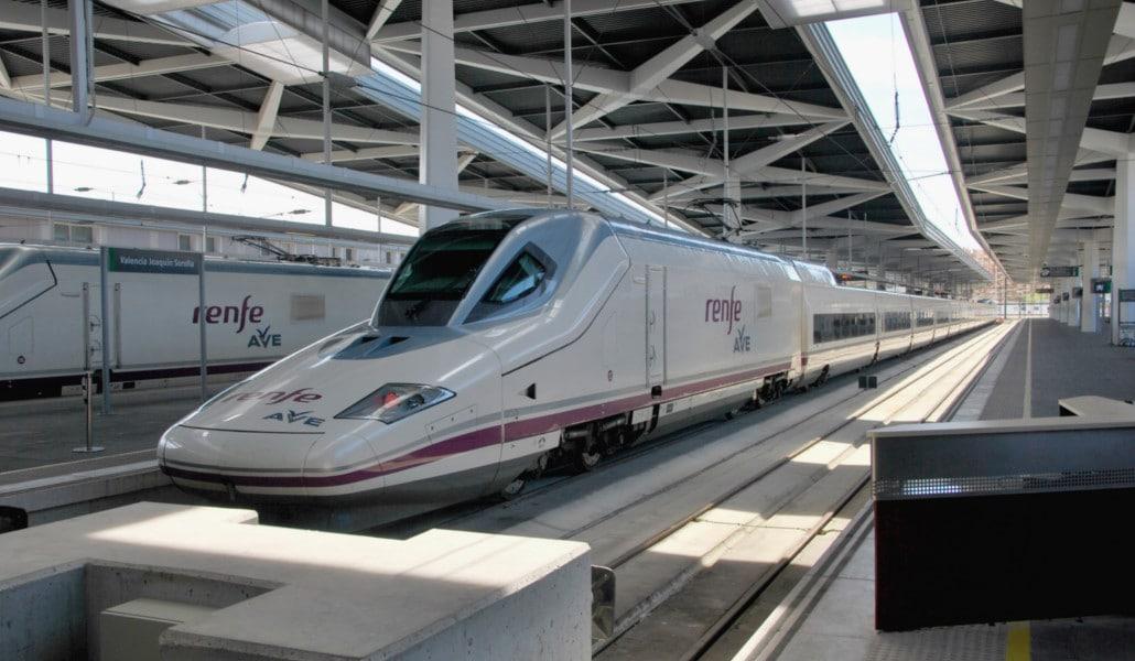 Las estaciones de Valencia-Nord y Joaquín Sorolla tendrán wifi