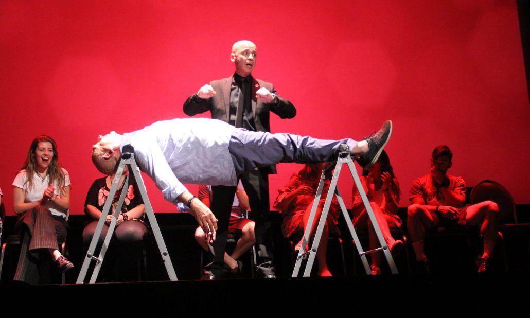 El mentalista Toni Pons te lleva a superar tus límites en el Teatro La PlaZeta
