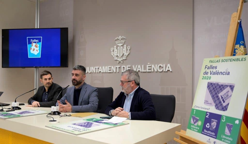 Valencia repartirá 90.000 vasos reutilizables para combatir el plástico en Fallas
