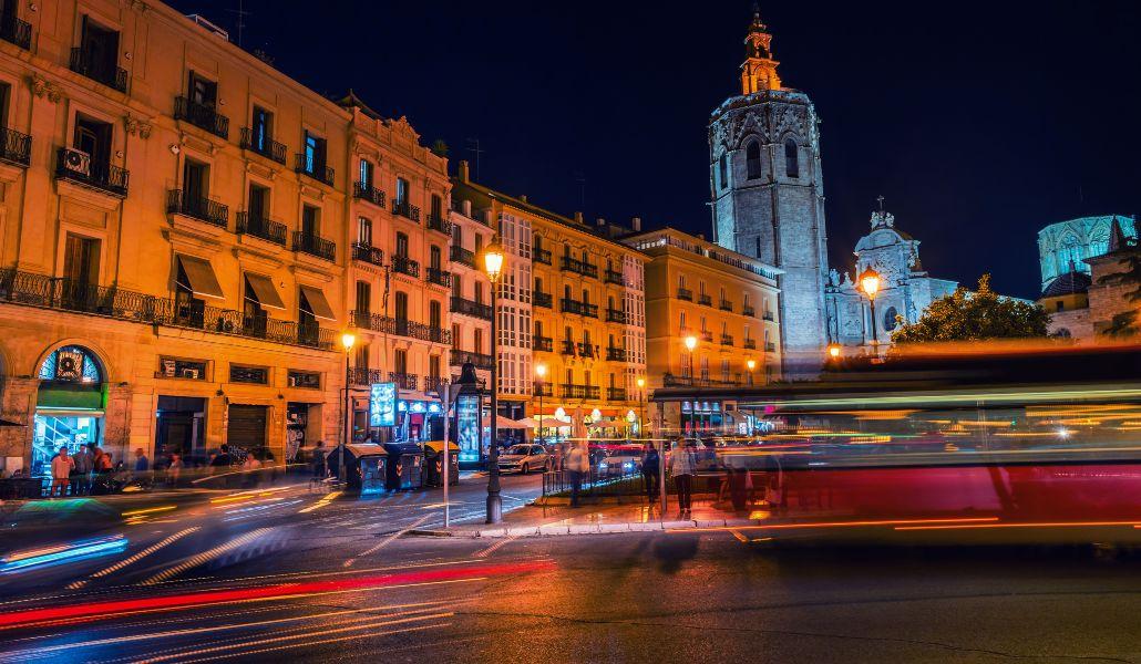 Los autobuses de la EMT harán paradas nocturnas a demanda