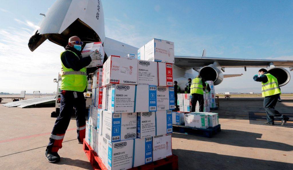 El octavo vuelo desde China trae a la Comunitat 55 toneladas de material sanitario