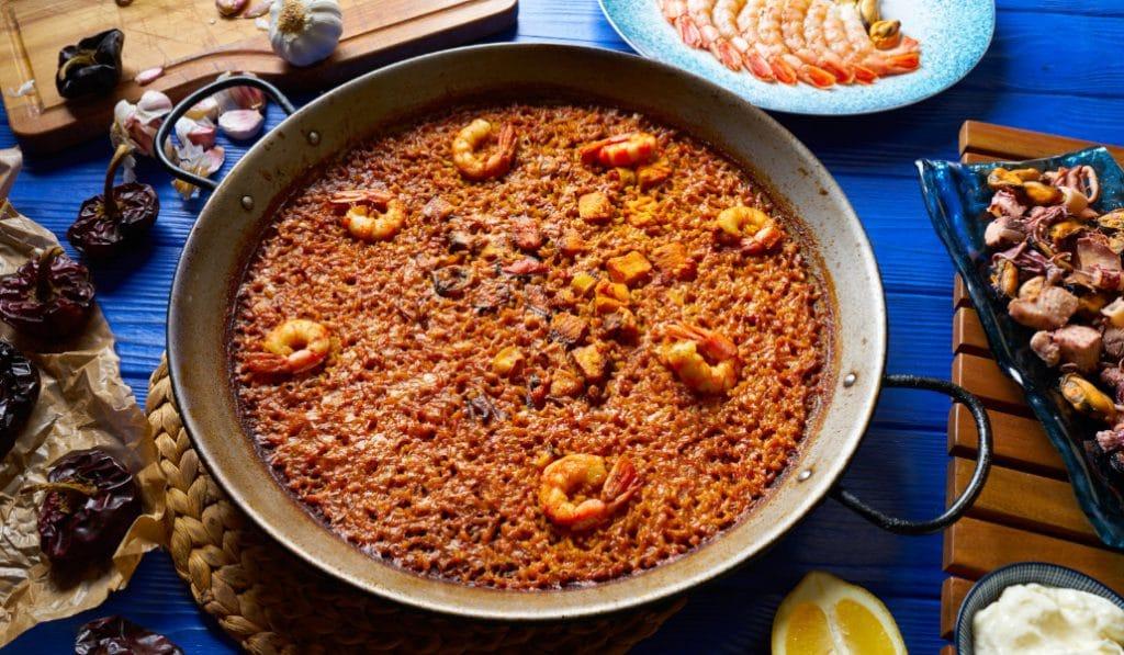 Arroz a banda: un plato legendario de la cocina valenciana