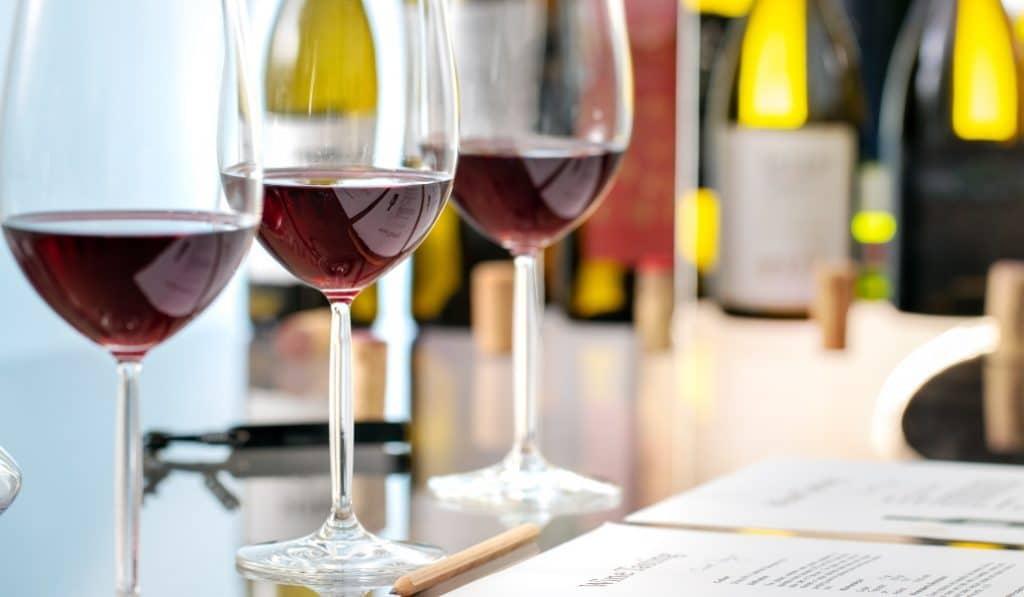 Catas de vino comentadas, el nuevo plan imprescindible de Valencia
