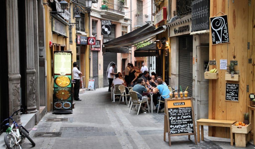 Valencia ayudará a la hostelería con hasta 1.800 euros por establecimiento
