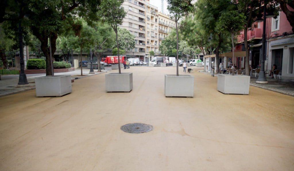 Valencia estrena una plaza que reduce el calor en la ciudad