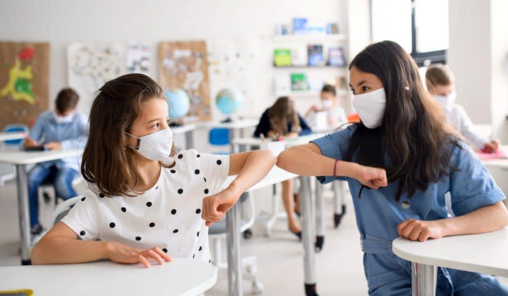 ¿Qué es el 'kit covid' y por qué puede ser útil para tus hijos en el colegio?