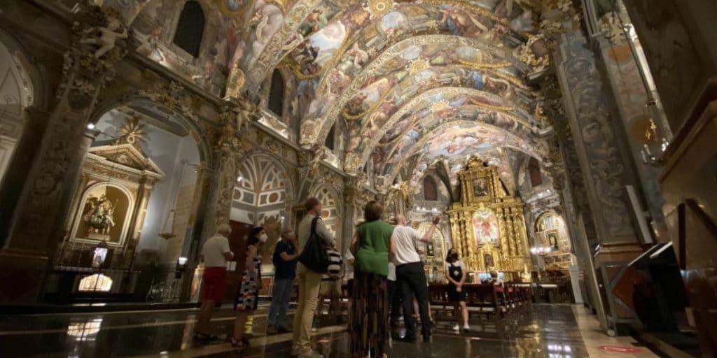 Vuelven las visitas nocturnas a la parroquia de San Nicolás