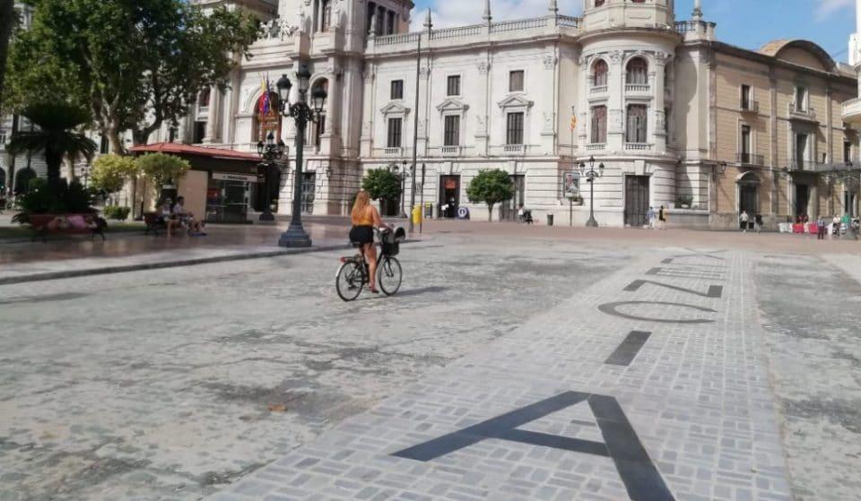 Los valencianos votarán en 2021 el color del pavimento de la Plaza del Ayuntamiento